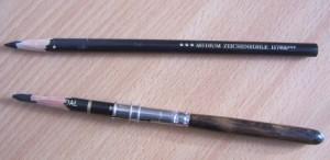 photo de deux crayons-fusains