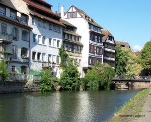 Photo d'un canal de Strasbourg
